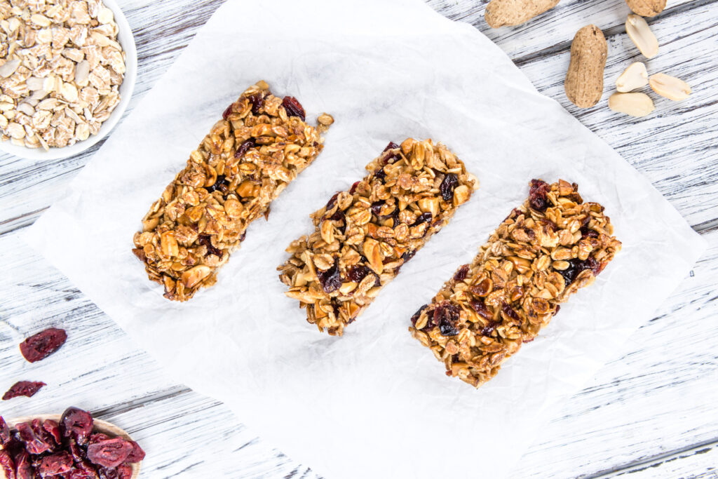 Fortips Multi Fibre Vanilla recipe: chewy breakfast museli bars by Nutricia