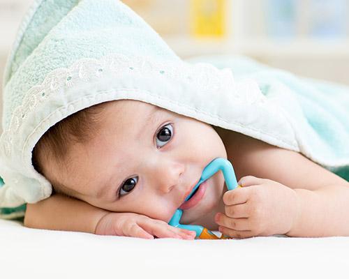 teething baby tips