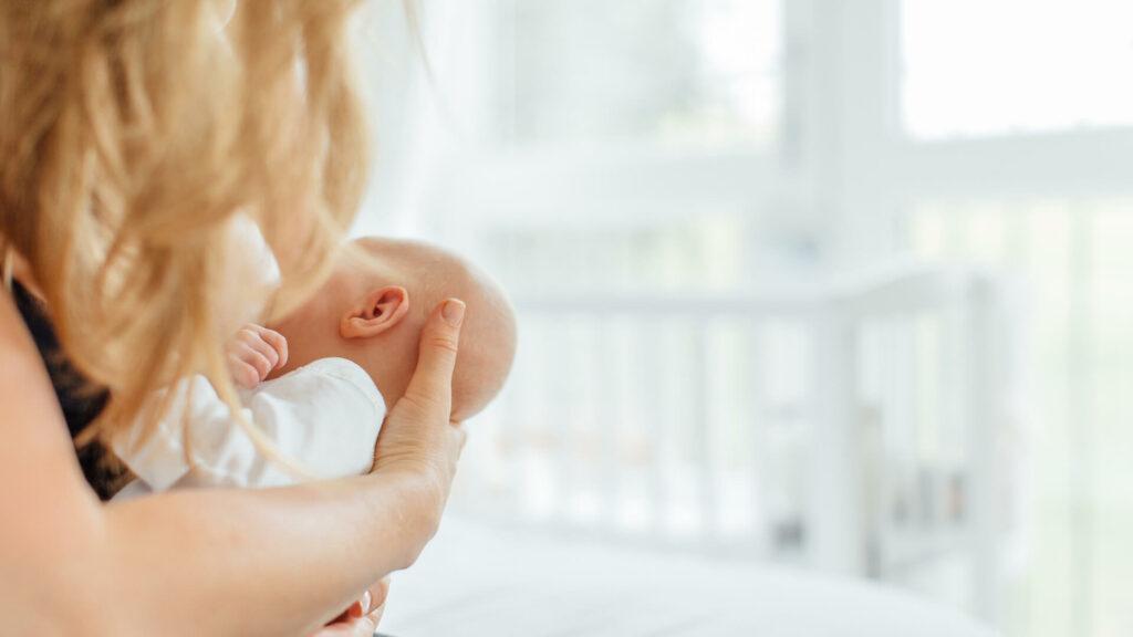 Is my baby receiving enough breast milk? | Nutricia
